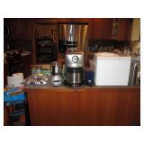 Kitchen: Kitchen Aid Blender, Sunbeam Mixer, Breadman Plus
