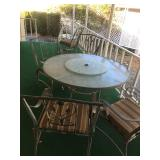 Patio Table w/5 chairs