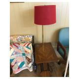 End Table w/Lamp