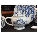 Blue Danube Tea Pot & China (Japan)
