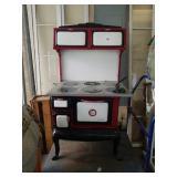 Betty Washington Amazing old cast iron stove