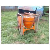 Montgomery Ward Model GIL-26471A cement mixer, ele