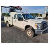 2015 Ford F350 4x4 Super Duty XL Extended Cab Service Truck